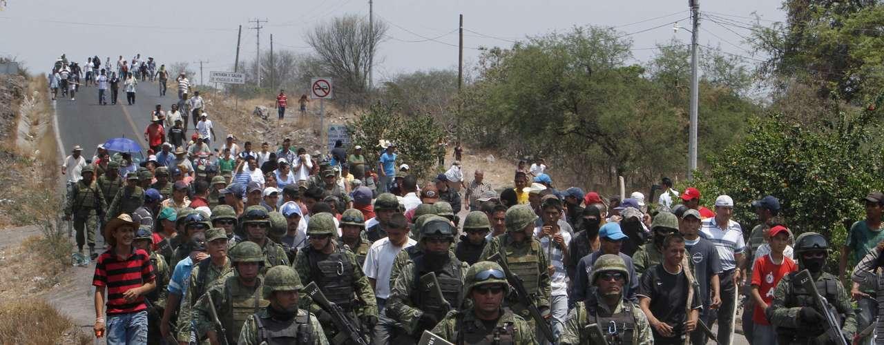 El Gobierno mexicano anunció el 21 de mayo los detalles de un operativo de seguridad que puso en marcha en el occidental estado de Michoacán hasta que retorne la paz en la región, agobiada por los cárteles de las drogas.