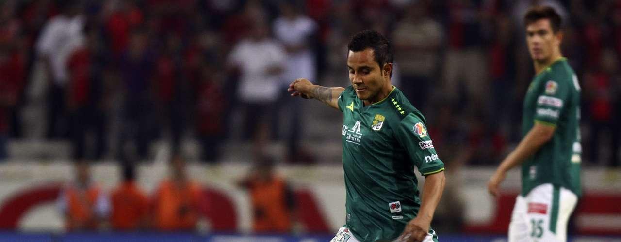 Luis Montes podría llegar a Guadalajara para vestirse de chiva