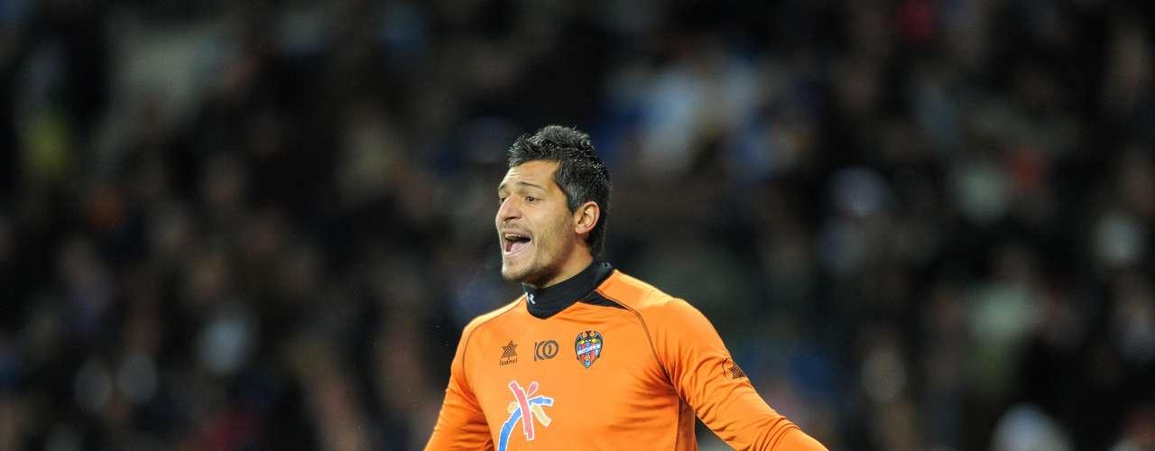 El arquero uruguayo Gustavo Munúa es nuevo jugador de la Fiorentina. Llega procedente del Levante.
