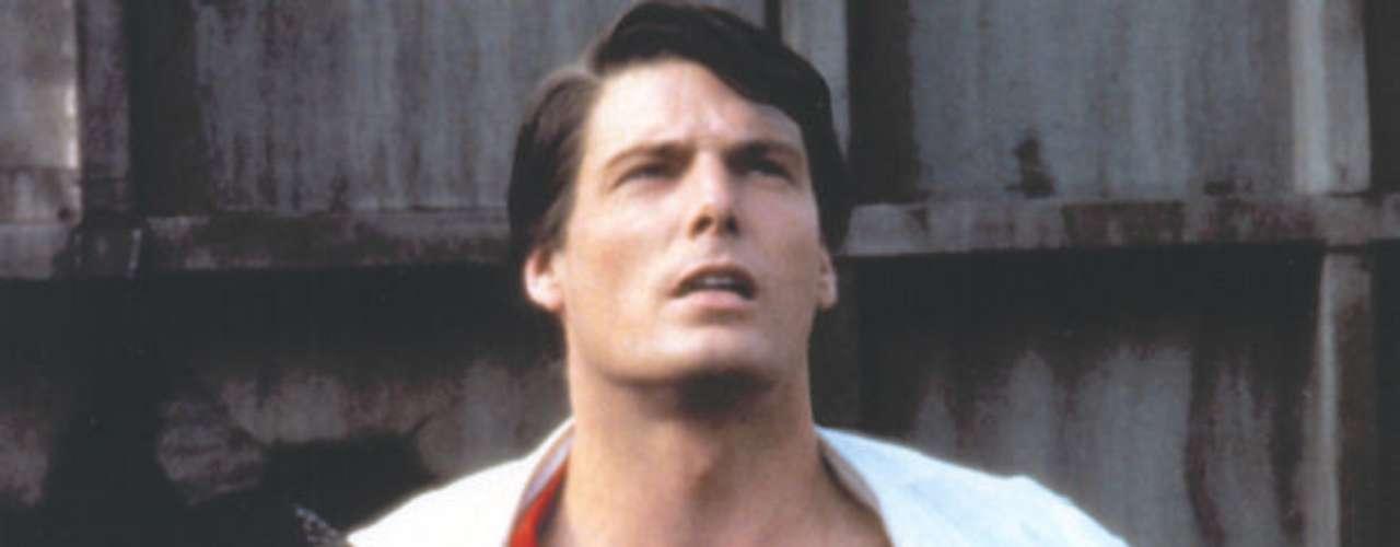 Christopher Reeve. Quizá el más recordado de todos los actores que se han puesto el traje azul y rojo del superhéroe nativo de Smalville. Reeve participó de la tetralogía de Superman que inició en 1978 y que finalizó en 1987.
