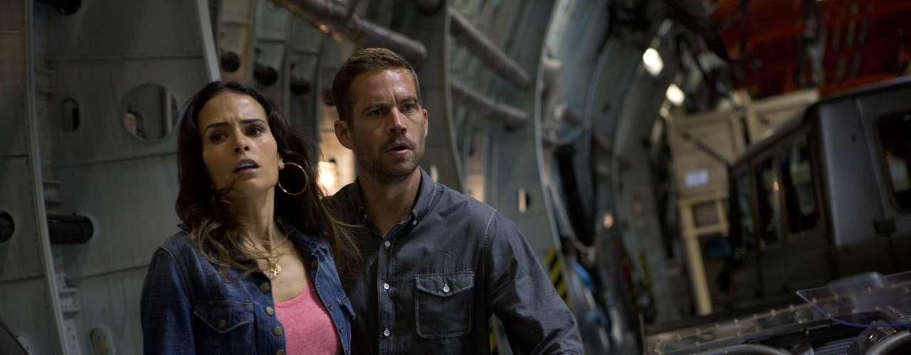 Jordana Brewster le ha dado su personalidad al personaje de Mia Toretto, la hermana de Dominic (Vin Diesel) y novia de O'Conner (Paul Walker), en tres capítulos de la saga de carros. Su participación ya fue confirmada para 'Rápidos y Furiosos 7'.