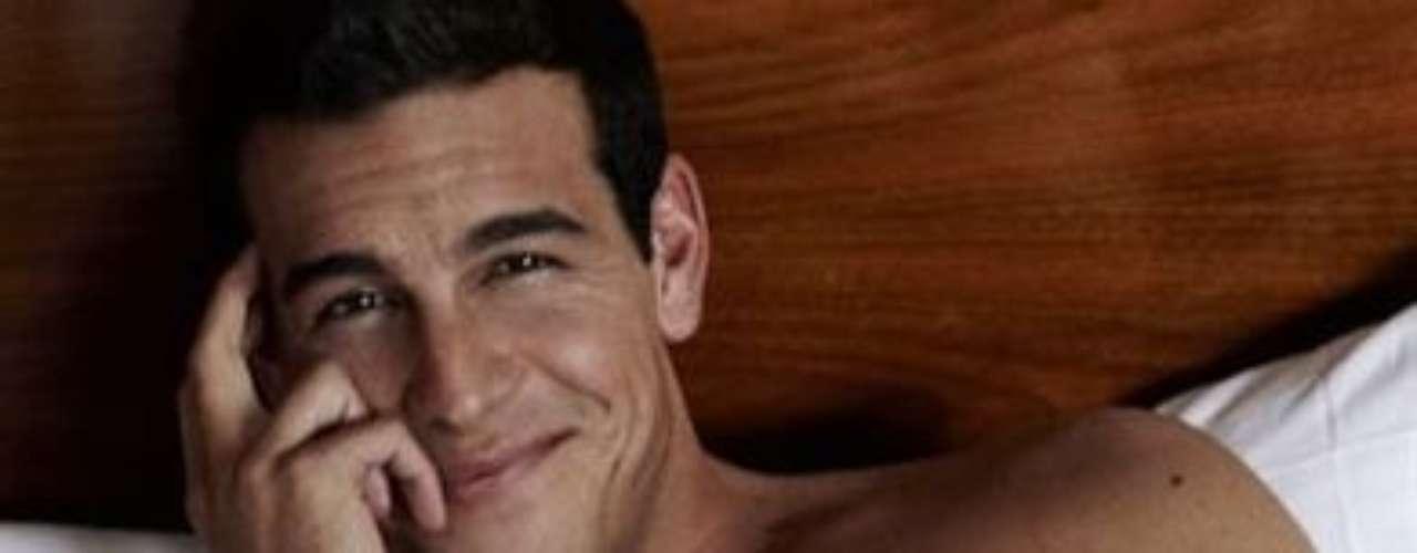 Mario Casas es el nombre de este actor español de cine y televisión que llega a Chile por a través de Mega con la serie \