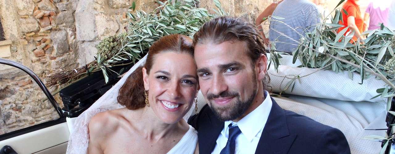 Mario era una persona natural, espontánea y muy trabajadora. En la imagen, el día de su boda con Raquel.