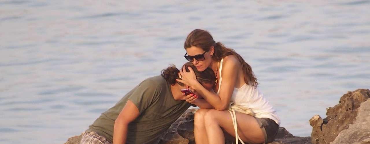 Tras la boda y la luna de miel, el matrimonio se regaló una romántica estancia en Formentera, donde se mostraban así de acaramelados.