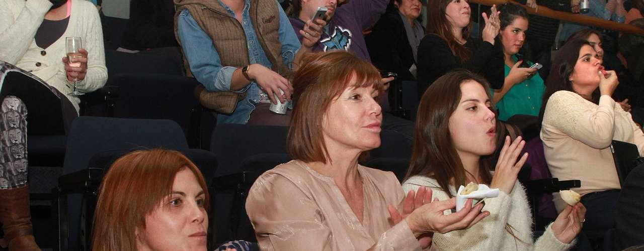 Juanita Viale se plegó a los festejos posteriores a la exhibición ...