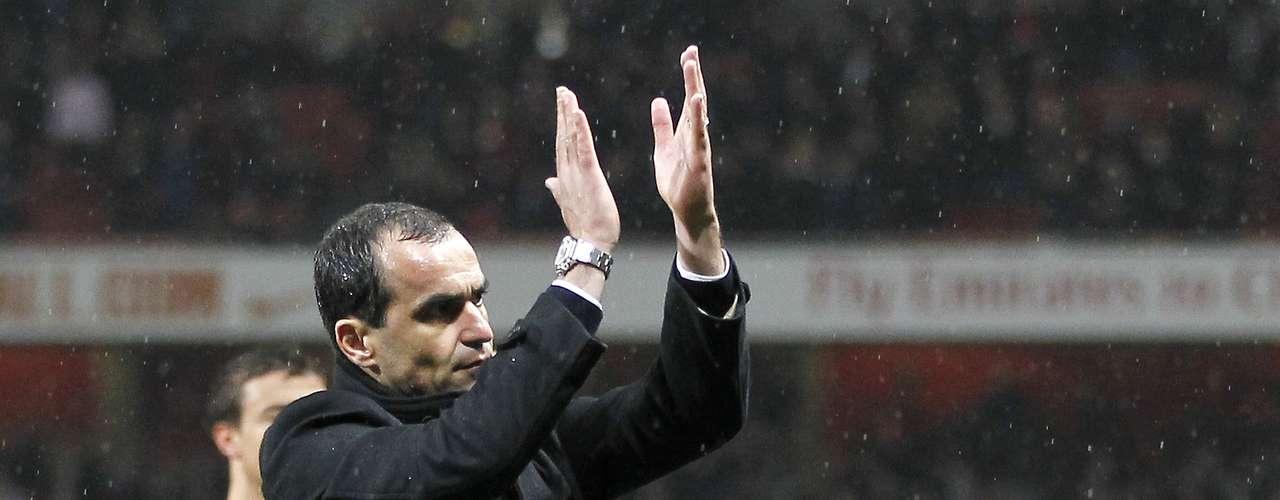 El técnico español Roberto Martínez será el nuevo técnico del Everton, luego de la salida de David Moyes. Dave Whelan, propietario del Everton, confirmó que el Wigan recibirá cerca de dos millones de euros como compensación por la salida de Martínez.