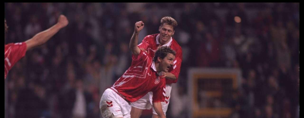 En la Copa Rey Fahd 1995, Dinamarca se impuso 2-0 a Argentina, con goles de Michael Laudrup, de penal, y Peter Rasmussen.