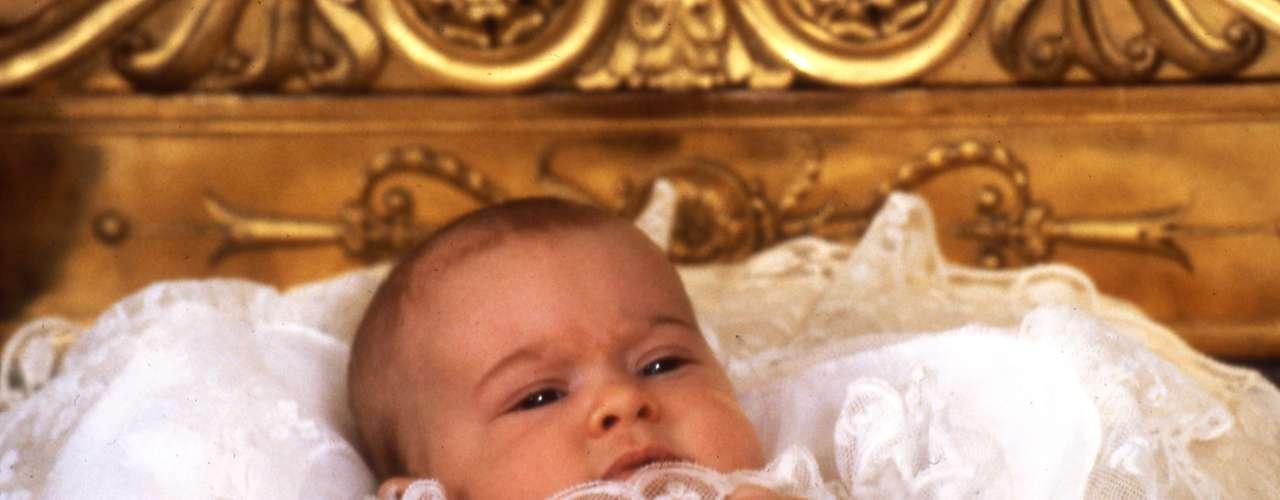 Ejercieron de padrinos en el bautizo de la princesa Benedikte, HH Prince Andreas von Sachsen-Coburg und Gotha, princesa Christina, la señora Magnuson y el Sr. Walter L..