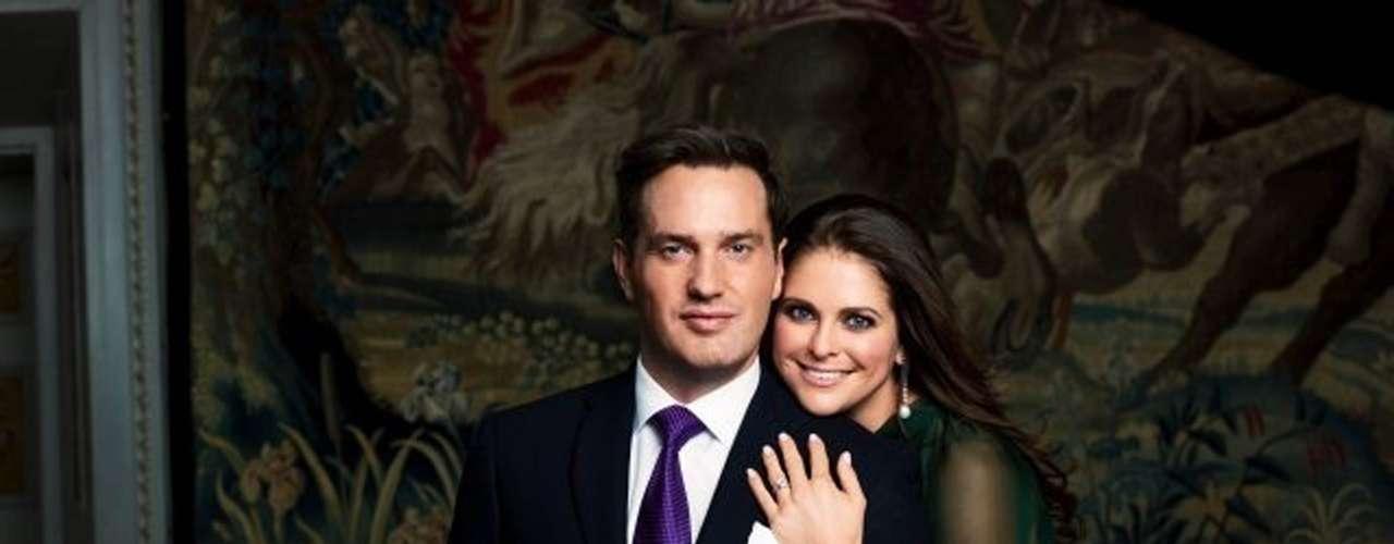 Este sábado Estocolomo acoge la boda de Magdalena de Suecia, una de las princesas más bellas de Europa. La joven dará el sí quiero a las 16 horas al adinerado banquero Chris O'Neill, a quien conoció en una cena de verano en Nueva York, ciudad a la que huyó tras su desengaño amoroso conJonas Bergström.