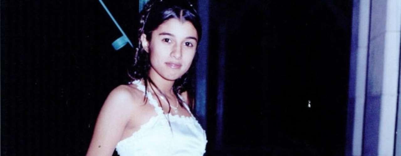 Lucila Yaconis fue asesinada el 21 de abril de 2003, luego de resistirse a una violación. La joven de 17 años fue interceptada en un paso a nivel del ferrocarril Mitre en el barrio de Núñez. La madre, que se transformó en una referente en la lucha para prevenir este tipo de casos, denunció que ya nadie investiga el caso que quedó impune.