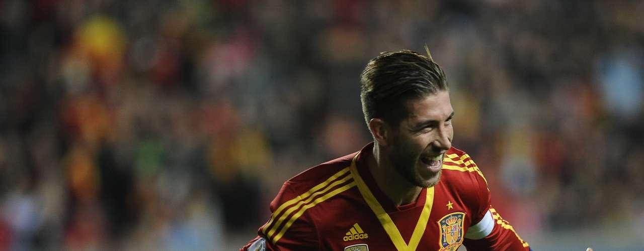 Sergio Ramos (Defensa-España): Es garantía de seguridad en la zaga de la selección española, además de tener la cualidad de ser un defensa con gol. Además, como es compañero de equipo con Casillas, eso les facilitará el trabajo.