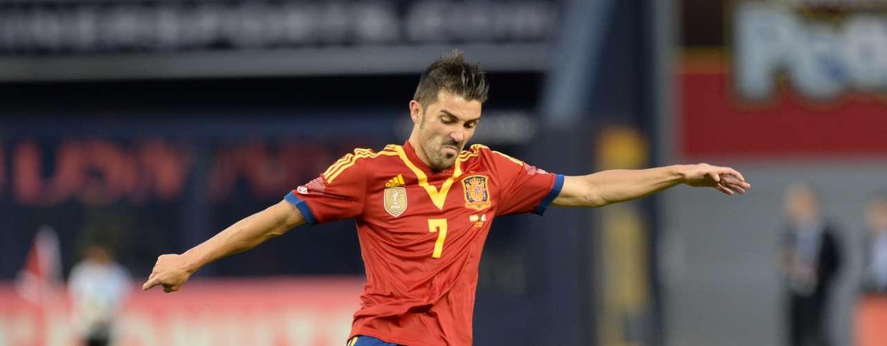 David Villa (Delantero-España): Es un goleador nato con la selección española, de la que es su máximo artillero, con 53 anotaciones. Es otro de los que se crece en las grandes competiciones, como en Sudáfrica 2010, donde fue Bota de Plata.