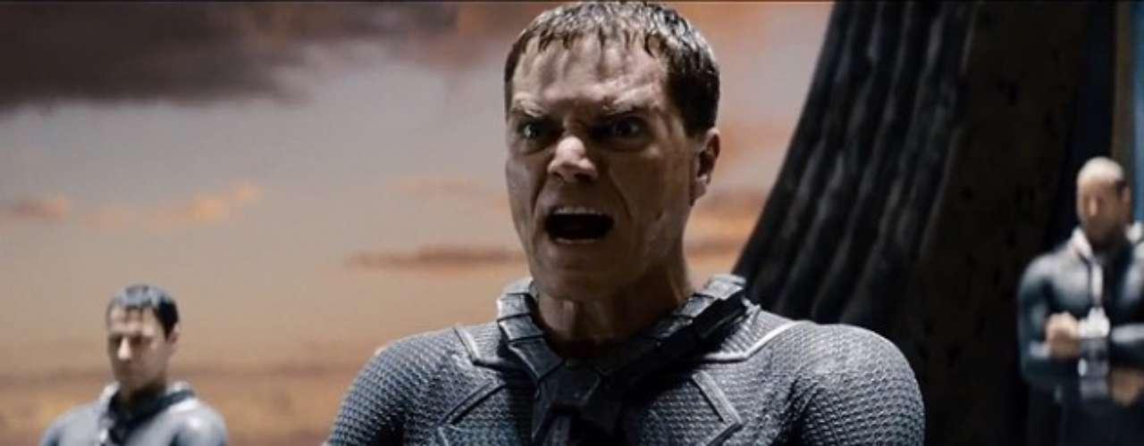 Michael Shannon es el General Zod, uno de los enemigos más formidables en el universo de Superman. Este general kryptoniano y megalomaniaco se enfrentará a Superman y al planeta entero. En algún momento se consideró a Viggo Mortensen para el papel.