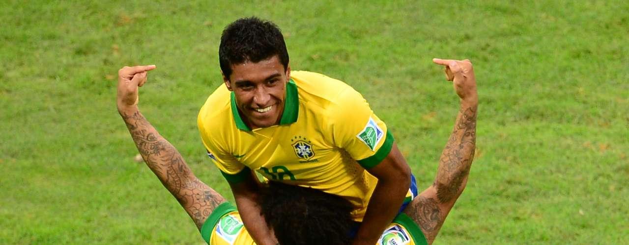Marcelo y Paulinho celebraron el gol.