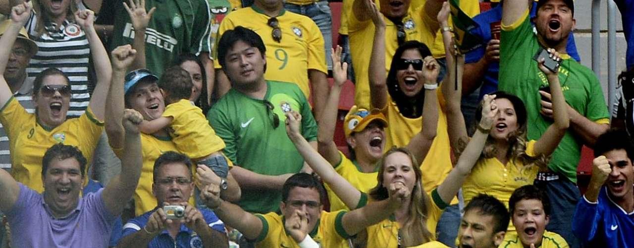 Neymar finalmente dio fin a la sequía de goles trasnueve partidos y 842 minutos.