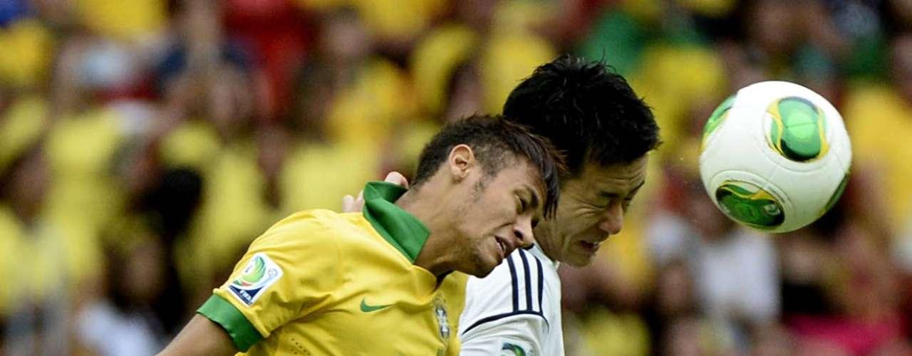 En rueda de prensa este jueves, Neymar se mostró irritado al intentar quitarse presión. El joven de 21 años concluyó la era Mano Menezes como artillero con 21 goles en 34 juegos.