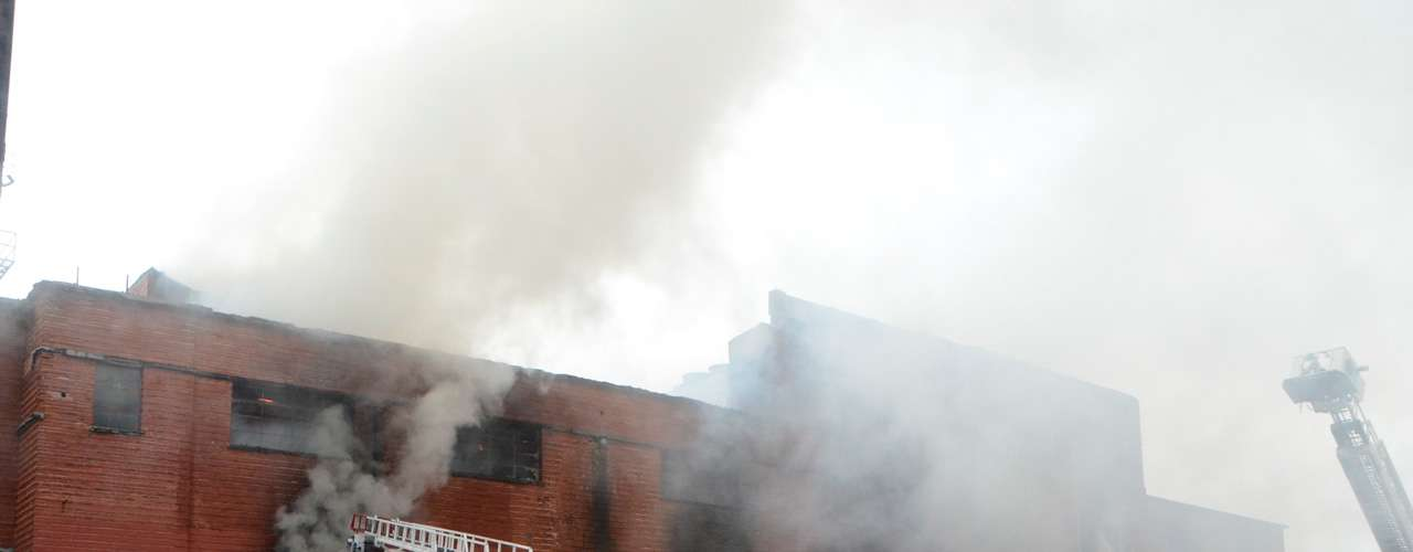 El 16 de junio de 2013, un voraz incendio arrasó con las instalaciones de la empresa Productos Lirio, que desde hace casi un siglo se ubican en el cruce de las calles Félix U. Gómez y Santiago Tapia, en la colonia Obrera del centro de Monterrey, Nuevo León. No hubo personas lesionadas o víctimas en el siniestro.