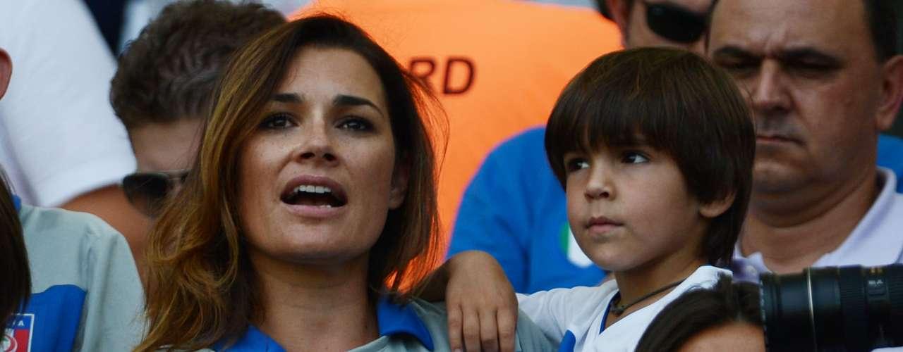 Alena yLouis Thomas apoyaron al portero italiano Luigi Buffon en el partido contra México.
