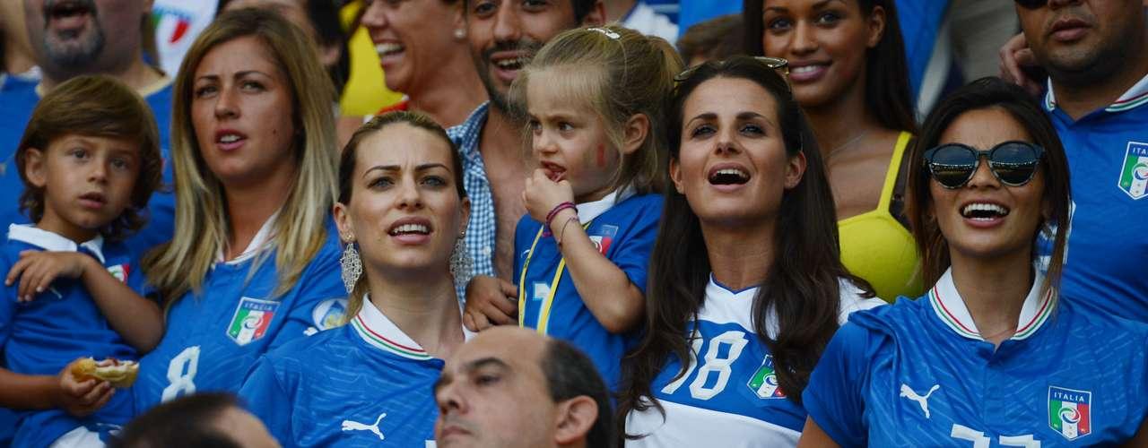 El partido del Grupo A de la Copa Confederaciones fue disputado ante cerca de 71.500 espectadores que agotaron las entradas.