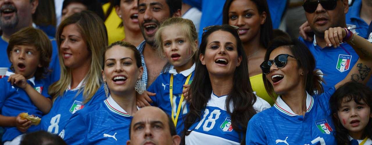 El Maracaná recibió a miles de aficionados en el segundo encuentro de la Copa Confederaciones.