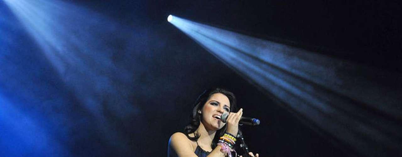 Maite Perroni cantará por primera vez en vivo el tema \