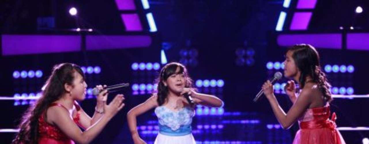 """Paulina culminó la noche con el """"Girl Power"""" de su chicas con la canción 'A Puro Dolor'"""