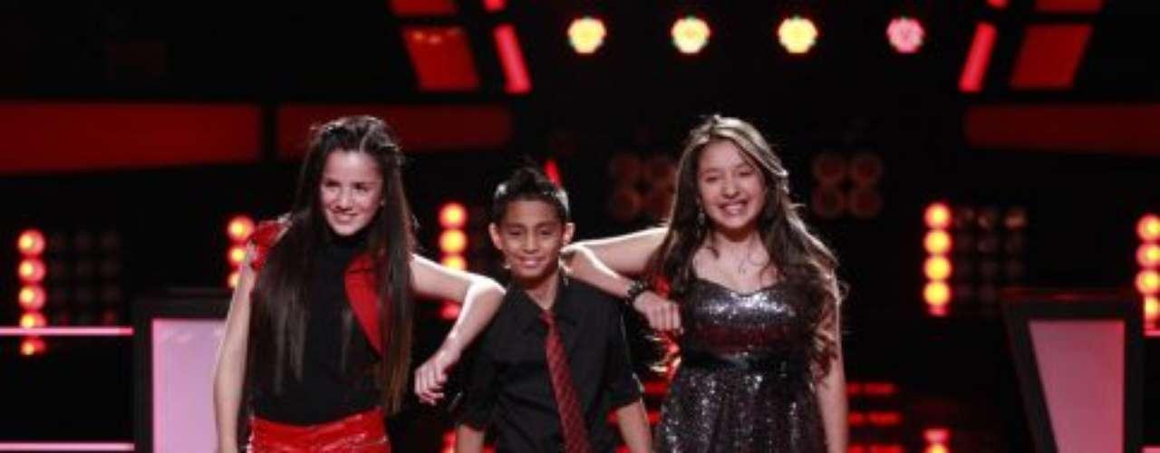 Kim de 11 años, Axel de 10 años ambos de Florida y Andrea de 13 años de California, con la canción 'Oye mi amor'.