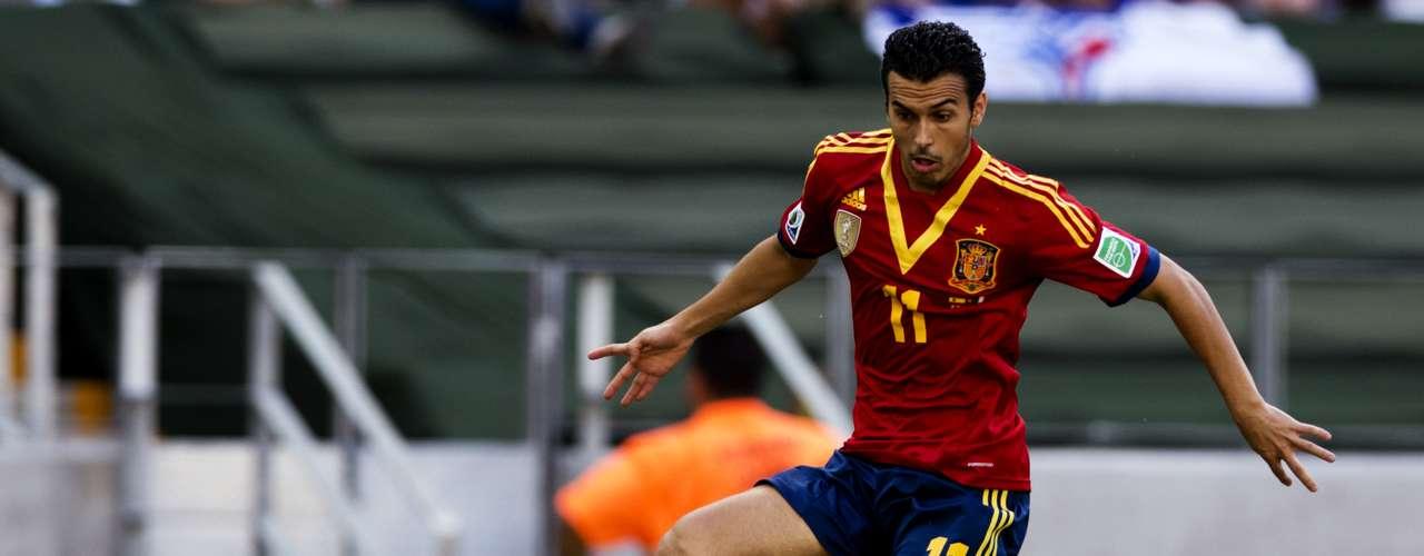 España lució con pocas variantes a la ofensiva y Pedro tuvo pocas veces el balón de frente a la portería de Buffon.