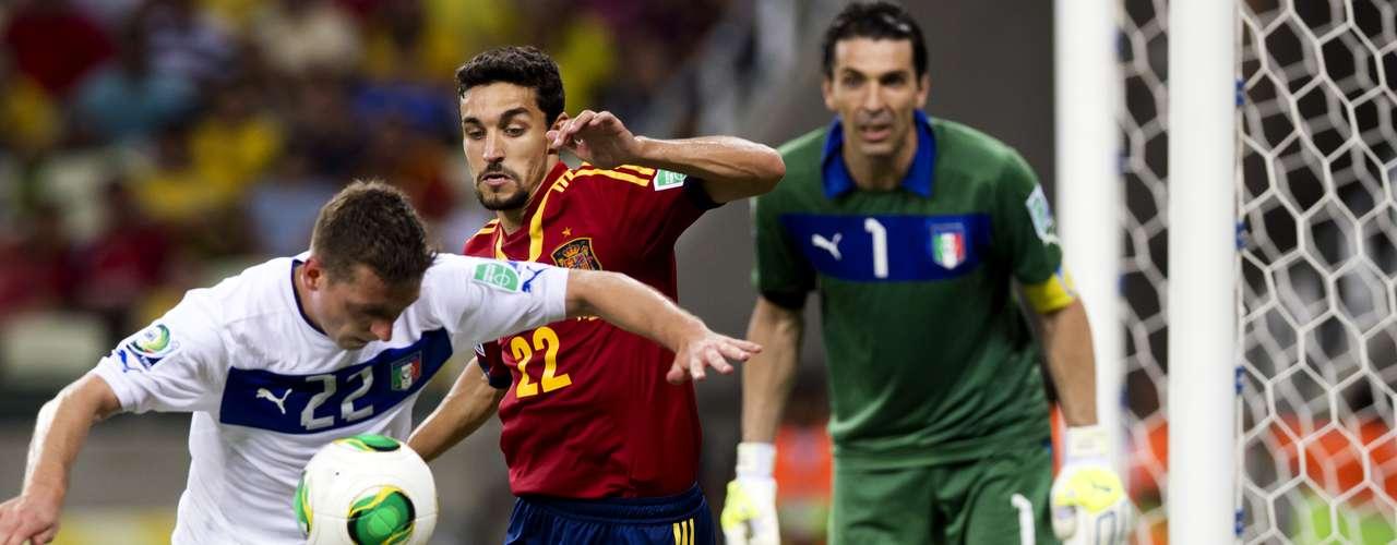 España dejó ir la victoria en el alargue, luego de varios errores frente a Buffon.