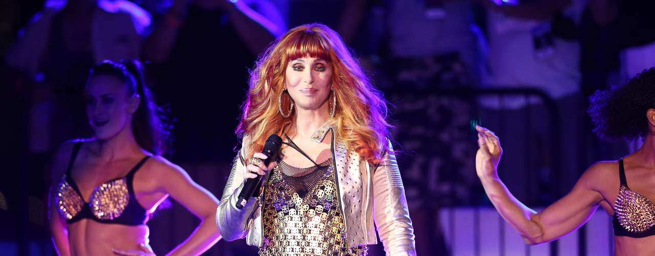 El Orgullo Gay de Nueva York, cerró su programación con la actuación de la veterana Cher.