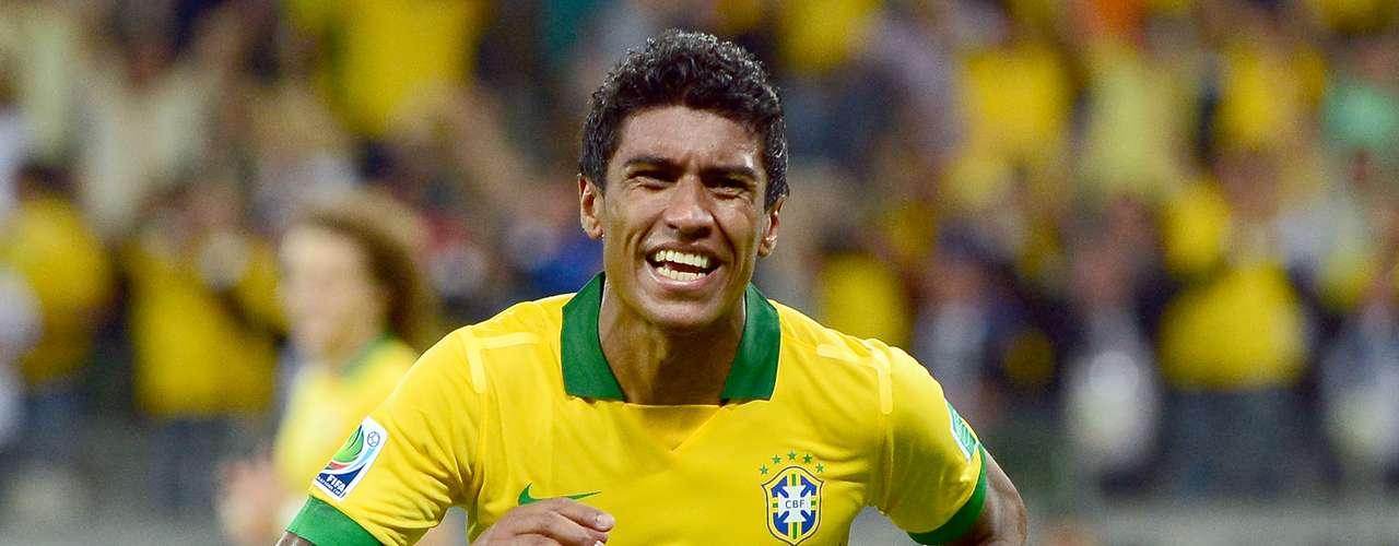 El volante brasileño Paulinho, campeón con Brasil de laCopa Confederaciones, es el nuevo fichaje del Tottenham de Inglaterra.