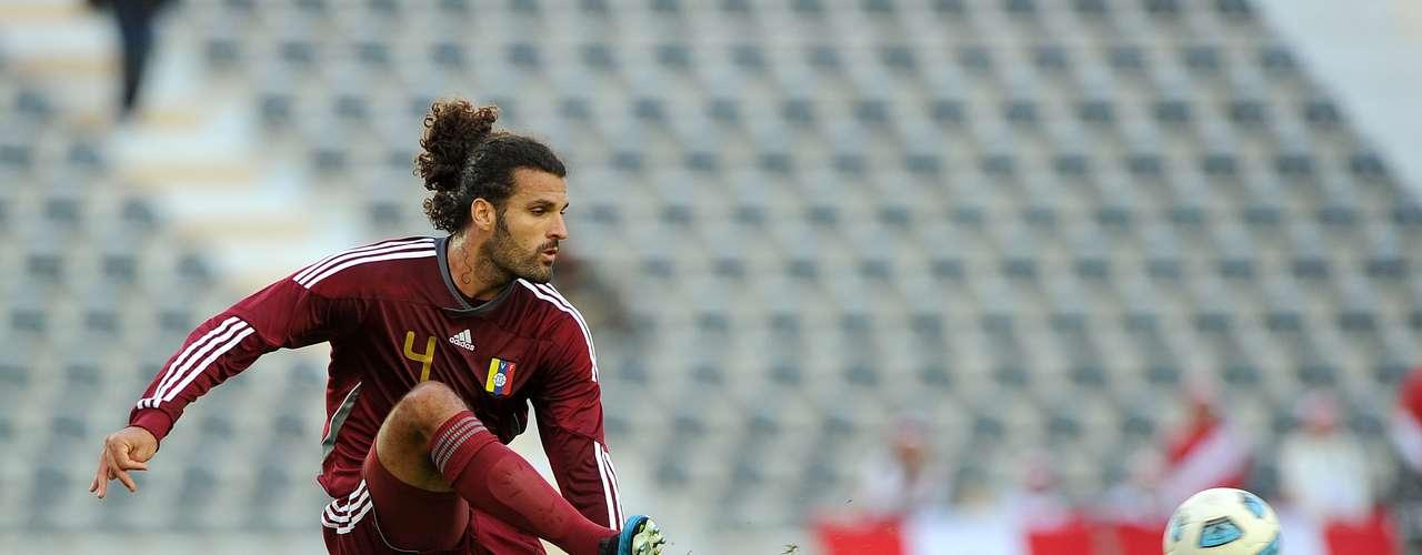 El Nantes anunció el fichaje del internacional venezolano Oswaldo Vizcarrondo para las tres próximas temporadas.