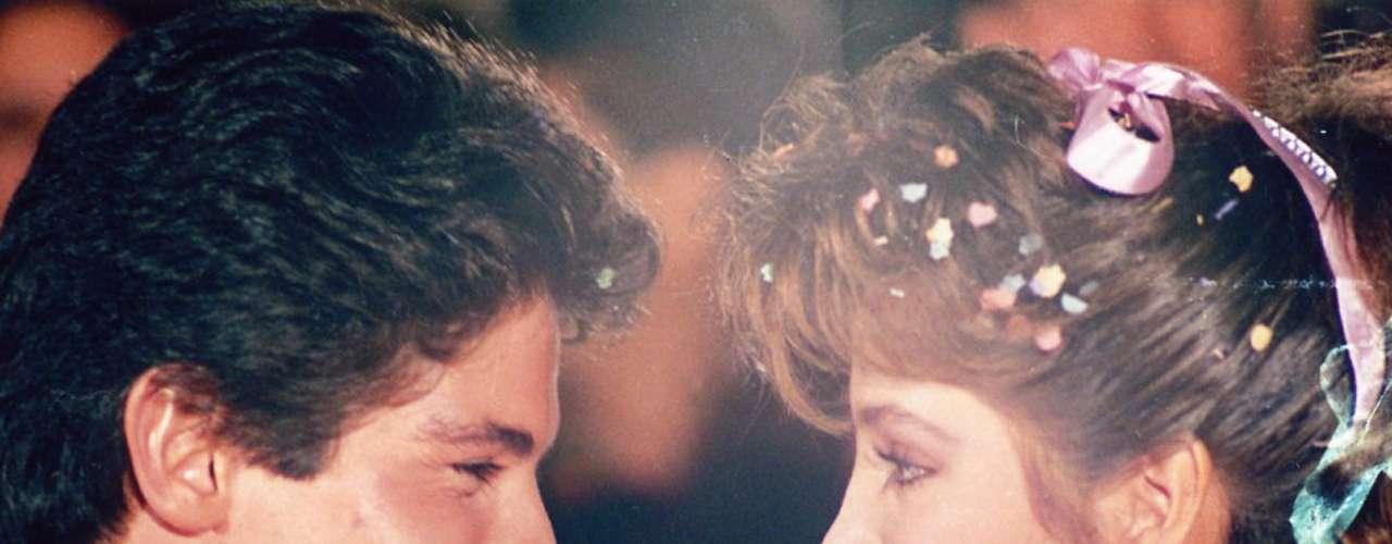 El amor de 'Pancho' (Ernesto Laguardia) por 'Maricruz' (Adela Noriega) logró vencer todas las adversidades en la telenovela 'Quinceañera' , el primer melodrama juvenil que transmitió la cadena Televisa en 1987.