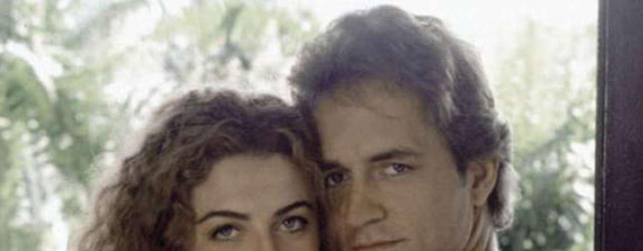 Margarita Rosa de Francisco y Guy Ecker lograron conquistar al público con la historia de amor entre 'La Gaviota' y 'Sebastián' en la exitosa telenovela 'Café con Aroma de Mujer' (1994).