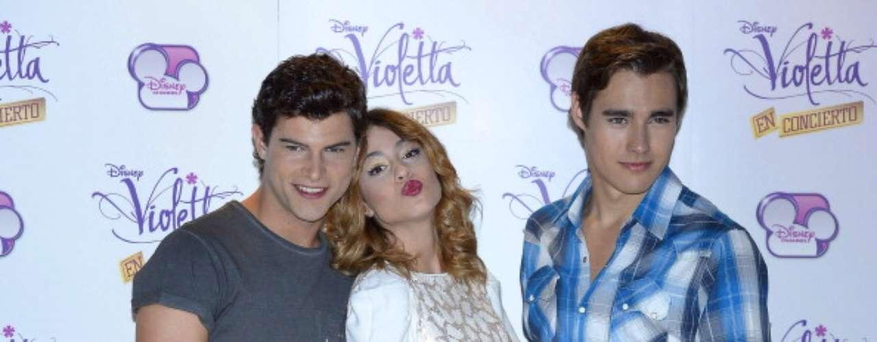 Violetta narra la historia de una adolescente muy talentosa que regresa a su ciudad natal en Argentina, donde descubre su vocación por la música y el amor. El elenco de la exitosa serie de Disney llegará a Lima por primera vez para ofrecer un espectáculo lleno de música, amor, humor y amistad.