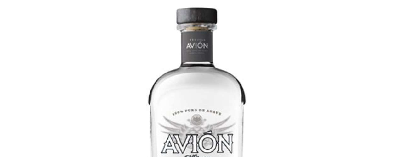 Avion Silver. Fresco y limpio tequila plata proveniente de las colinas de Jalisco, en México. Está elaborado a partir de ladrillos al horno agave azul y rigor refinado a través de un proceso de filtración ultra lenta. Precio en Amazon: 45 dólares.