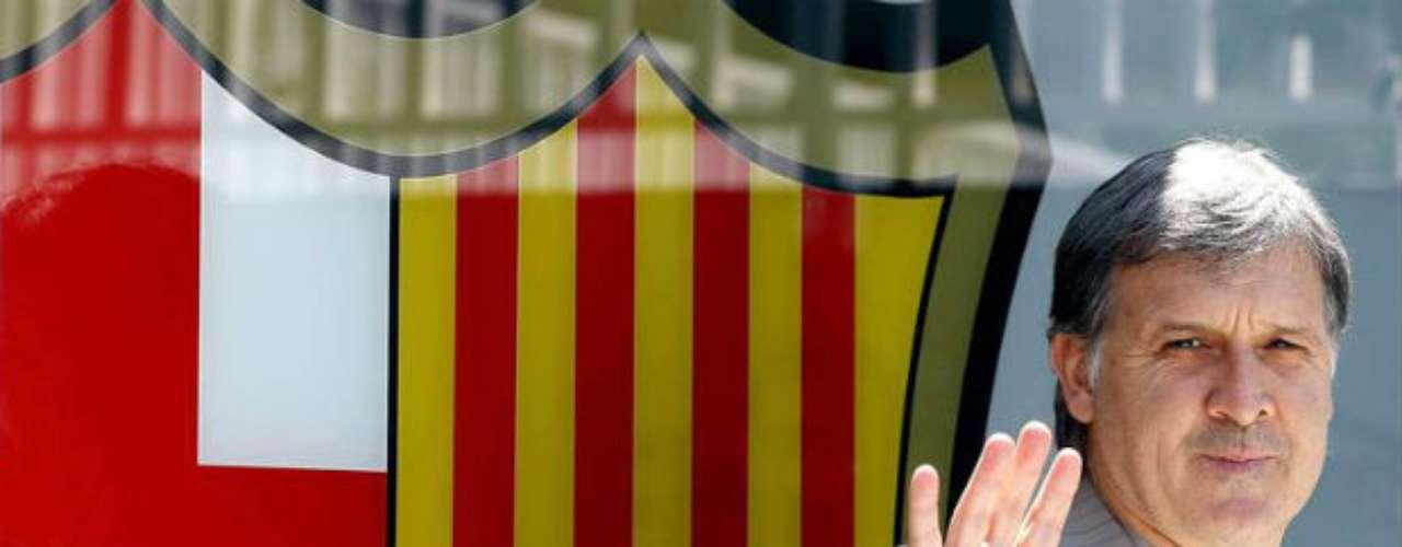 Gerardo Martino fue presentado con el Barcelona como nuevo entrenador. El 'Tata' firmó por dos temporadas. El sueldo del timonel argentino se desconoce.