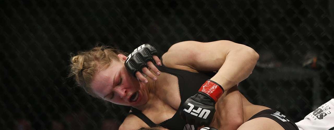 Ronda Rousey, campeona peso gallo.