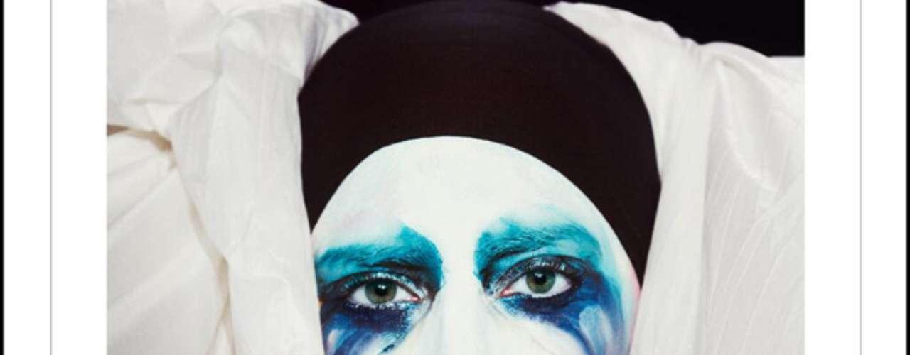 29 de Julio -La estrella dio a conocer por las redes sociales la portada de su nuevo sencillo\