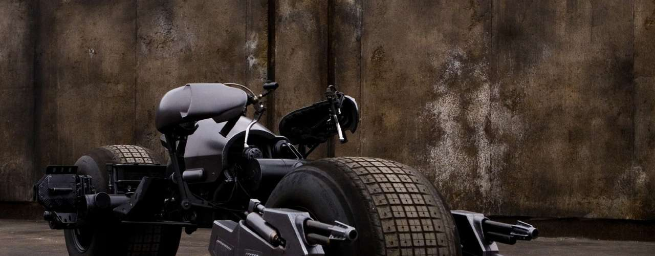 El Batpod de The Dark Knight y The Dark Knight Rises, una versión moderna de la Batimoto.