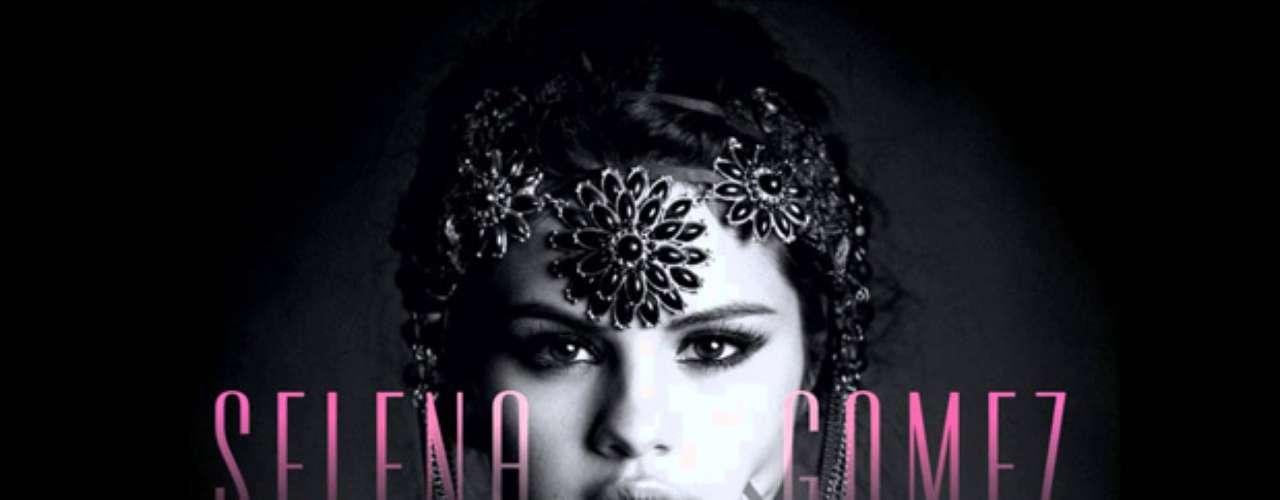 Selena Gómez debe de estar brincando en un pie, pues gracias a su nuevo disco \