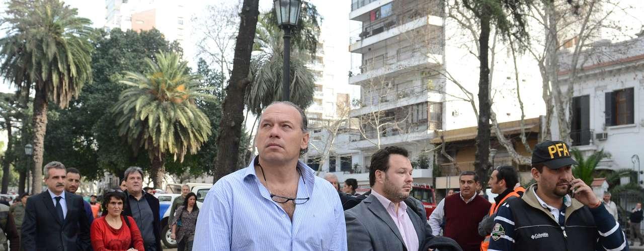 Rosario vive horas dramáticas después de la explosión, producto de un escape de gas, que derrumbó un edificio y dejó como saldo más de una decena de muertos, con otros tantos aún desaparecidos
