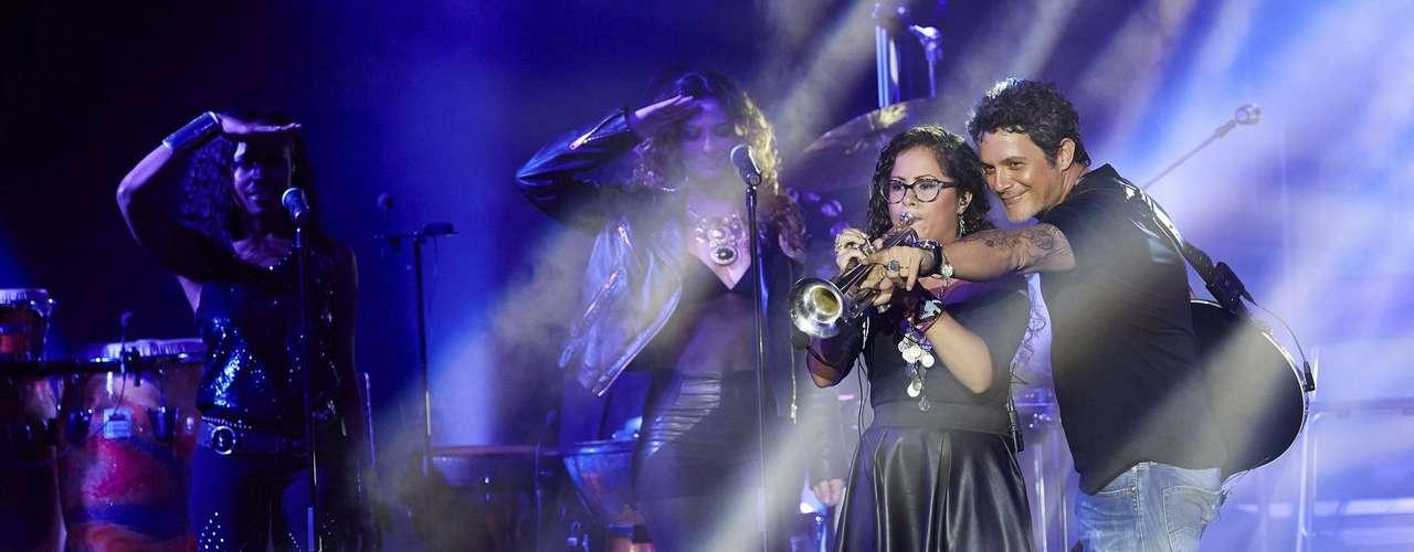 Alejandro Sanz se entregó durante el concierto que ofreció en el Festival de Peralada, en Girona, donde presentó su último trabajo discográfico, \