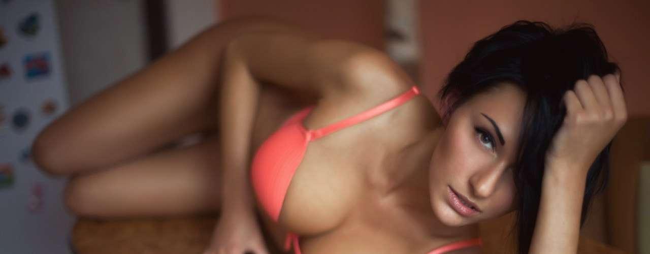 Esta belleza rusa es de San Petersburgo y tiene 25 años apenas.