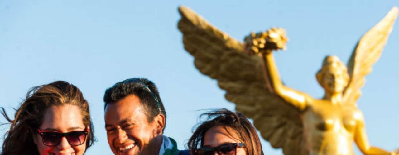 Una replica del Ángel de la Independencia se apareció en la explanada del estadio Metlife de New Jersey.
