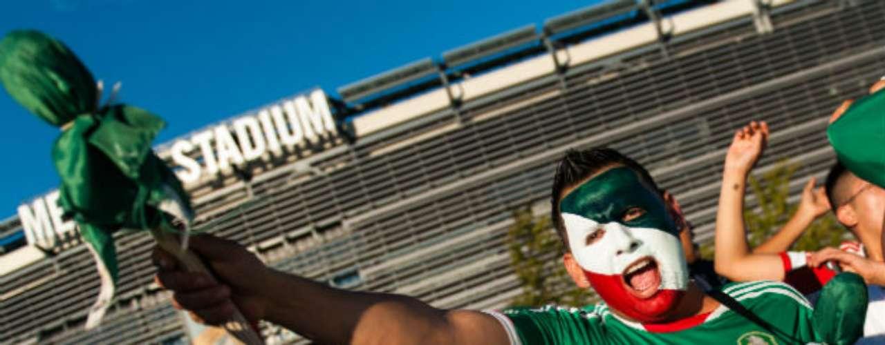Los cánticos a favor de México y el 'Cielito lindo', nunca faltan cuando juega la selección.