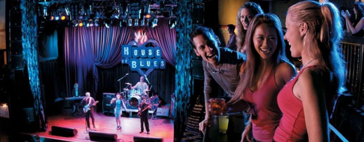 House of Blues Stage. Es probablemente el mejor lugar para bailar. Podrás escuchar música en vivo, desde rock hasta blues. Si te da hambre, prueba algo de cocina cajun, típica de Louisiana.