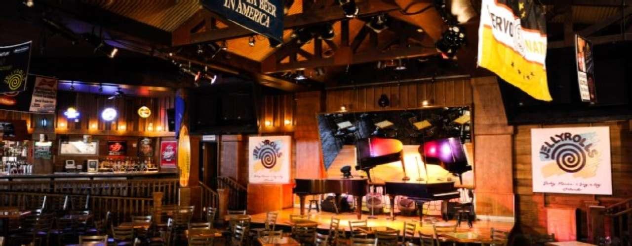 Jellyrolls. Este bar de piano suele llenarse mucho, por lo que te recomendamos que llegues temprano si quieres obtener una mesa. Hay música en vivo y muy buen ambiente. Está en Boardwalk.