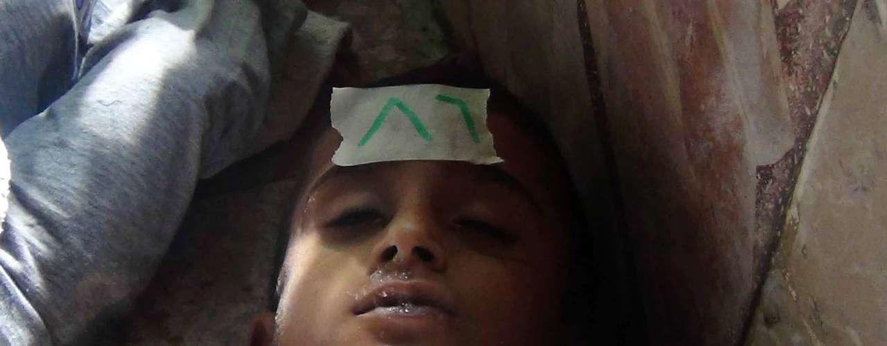 Entre las numerosas víctimas del ataque del ejército sirios se encuentran muchos niños.
