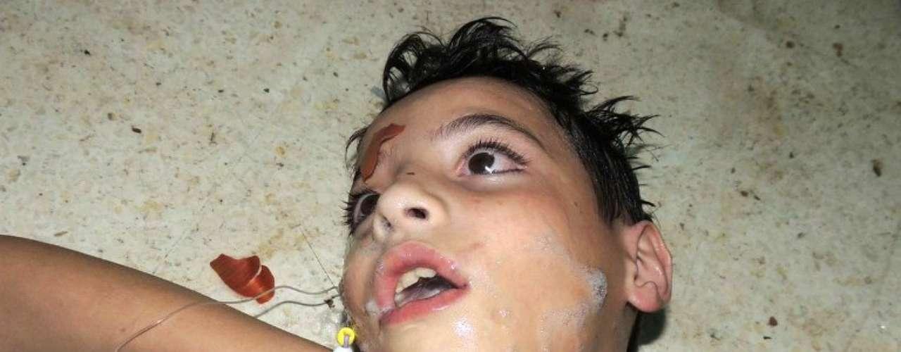 El número de muertos crecerá porque acabamos de descubrir un barrio en Zamalka donde hay casas llenas de personas muertas, dijo el portavoz de la opositora Coalición Nacional Siria, Khaled Saleh, citado por la cadena árabe Al Arabiya.